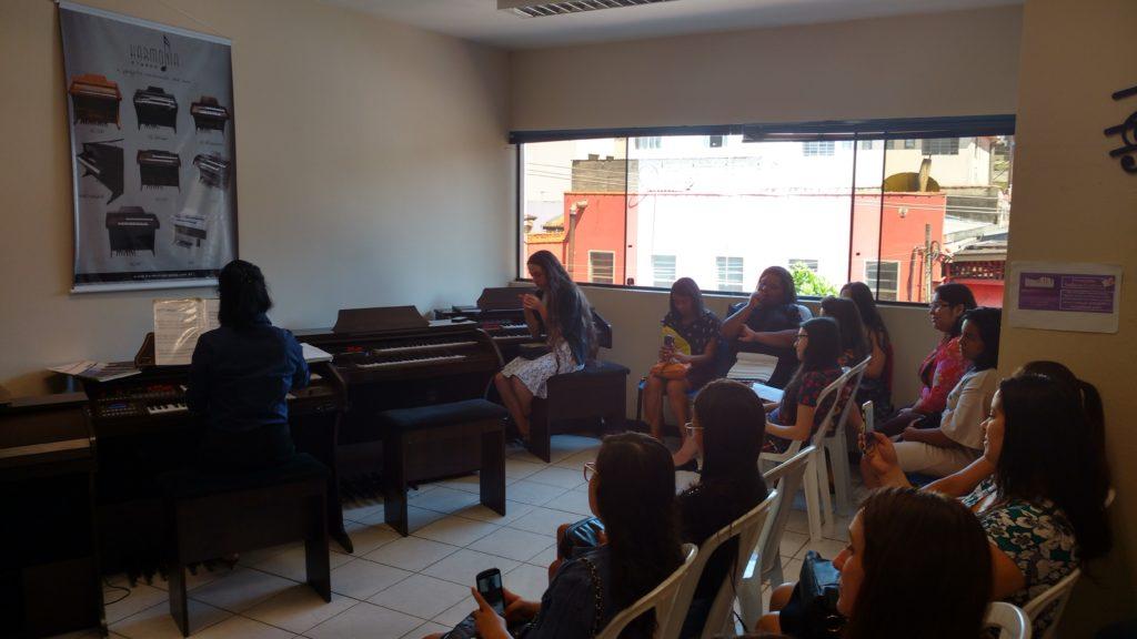 Aulas de Orgao eletronico para tocar hinos ccb