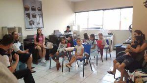 Aula de Orgao Eletronico CCB Infantil Crianças Carapicuiba