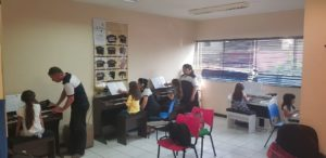 Aula de Órgão Eletronico Infantil em cotia
